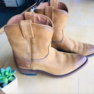 Frye Billy Short Cowboy Boots Cognac